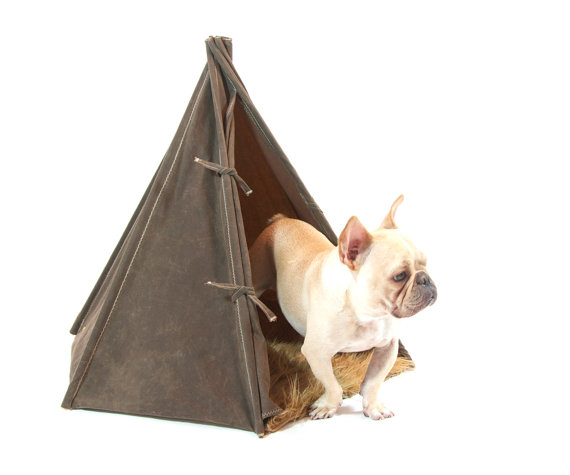 Stay on trend with this adorable dog teepee.