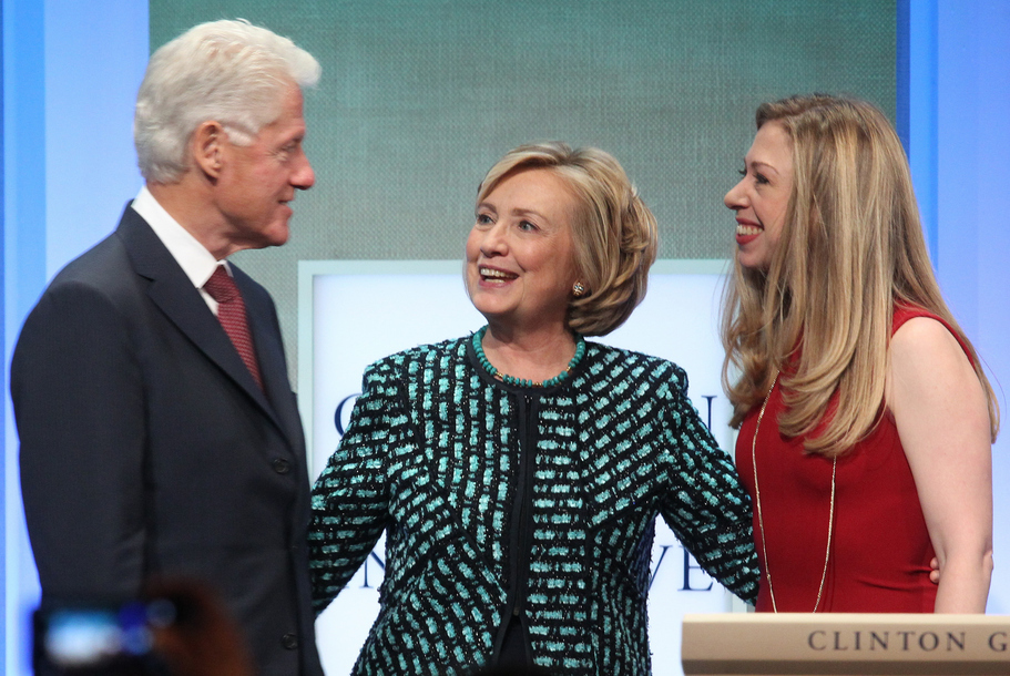Suddenly Famous Clinton Aides Cast Shadow Over Bill And Hillary's Big Week