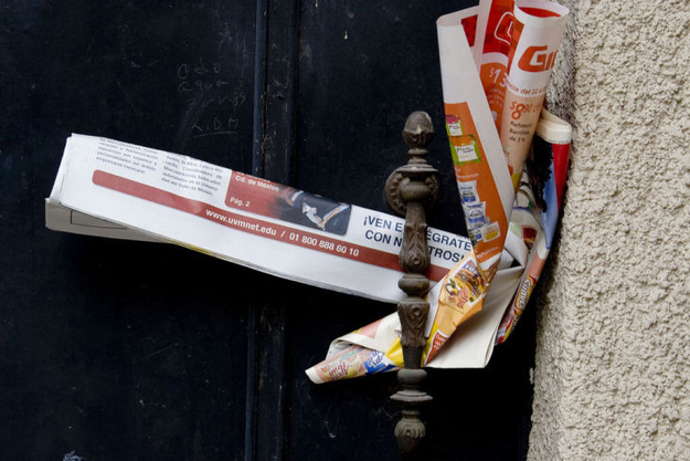 Always remember to remove flyers from your doorstep.