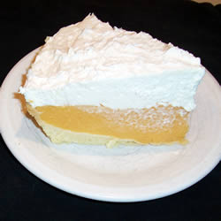 """11. One bite of this cantaloupe cream pie will have you saying, """"pumpkin who?"""""""