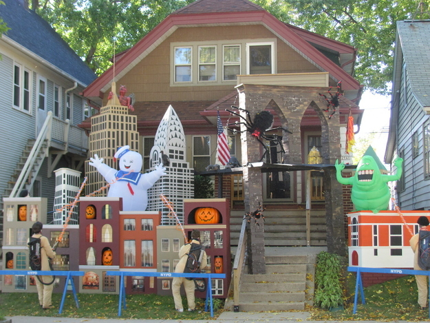 cedar grove chamber halloween decor costume contest october 27 28 2016 - Homes Decorated For Halloween