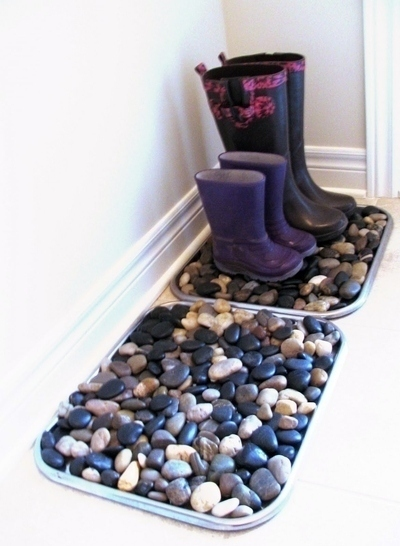 Make a cheap and easy pebble boot tray.
