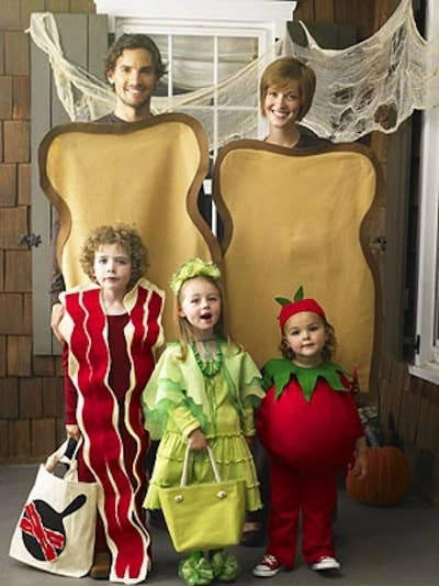 32 Family Halloween Costumes That Will Make You Want To Have Kids