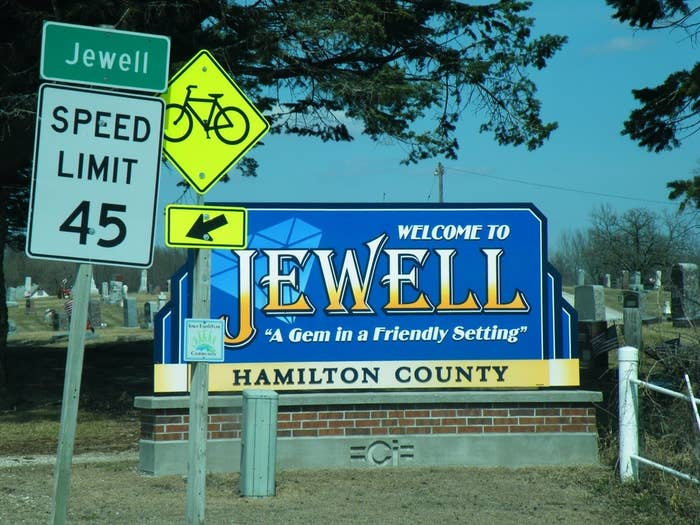 An overview of Jewell, Iowa.