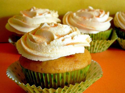 7. Triple cantaloupe cupcakes