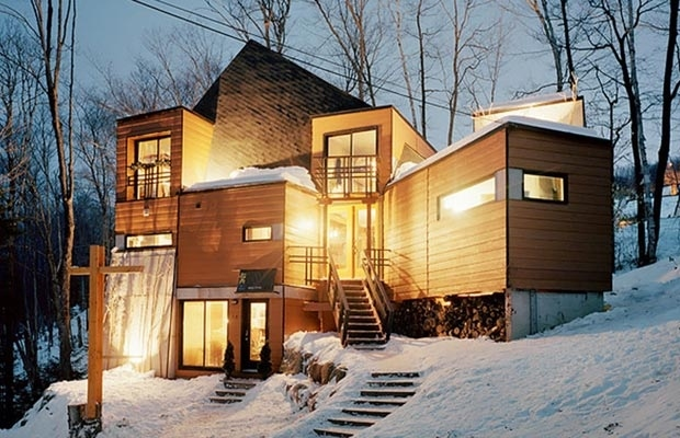 11. This adorable snow fort in Quebec took seven shipping containers to make. & 23 Surprisingly Gorgeous Homes Made From Shipping Containers