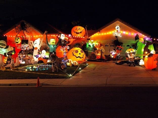 18 the im never wasting my time inflating all these again house - Extreme Halloween Decorations
