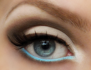 Line your bottom waterline with an unexpected color.
