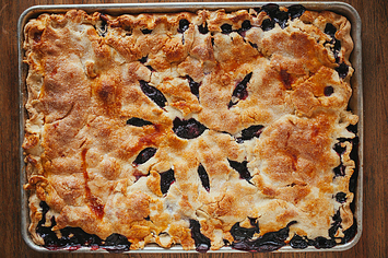 17 Heavenly Slab Pies That Can Feed The Whole Family