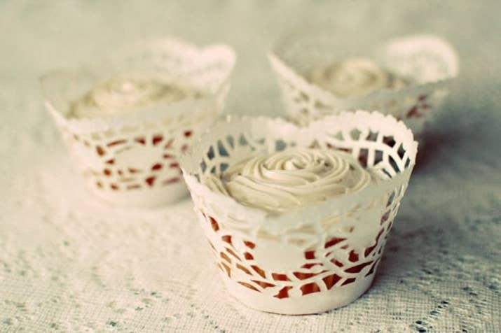 For a doily theme, wrap your cupcakes in doilies, too. Get the free template here.