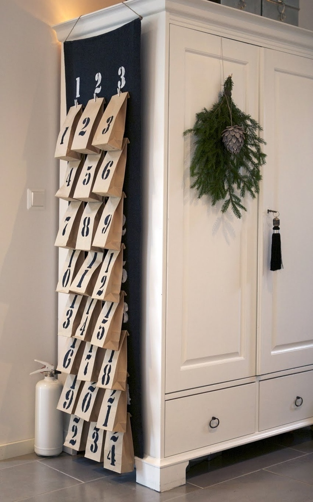 21 Ways To Decorate A Small Space For The Holidays