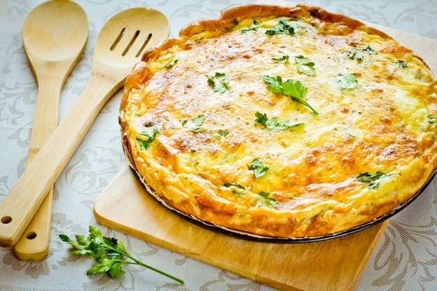 Quiche Lorraine  44 Classic French Meals You Need To Try Before You Die enhanced buzz 25601 1385765838 9
