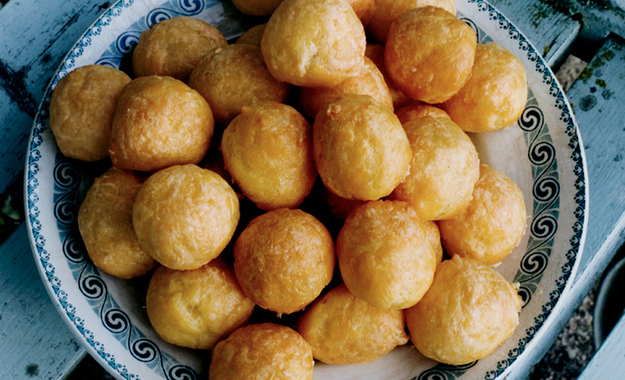 Gougères  44 Classic French Meals You Need To Try Before You Die enhanced buzz 8005 1385794659 0