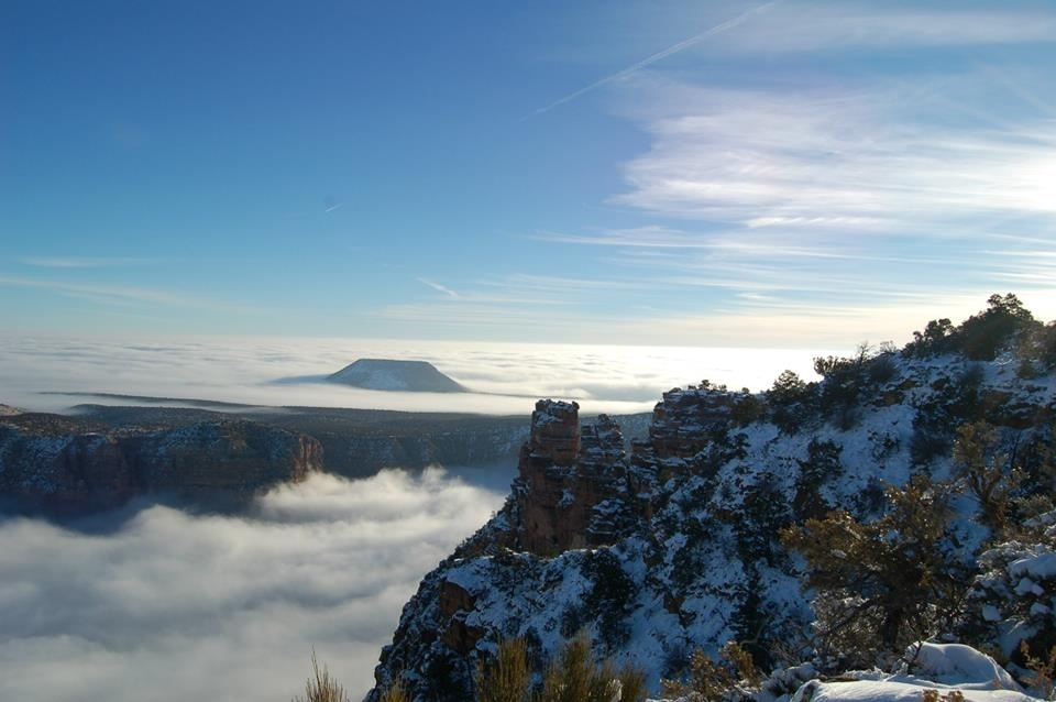 10 Breathtaking Images Of A Rare Fog Rolling Over The Grand Canyon