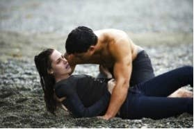 He comforts Bella when her mean vampire boyfriend breaks up with her, he saves her life when she tries to kill herself, he keeps her from getting hypothermia, and what does he get? Friend Zone Status.
