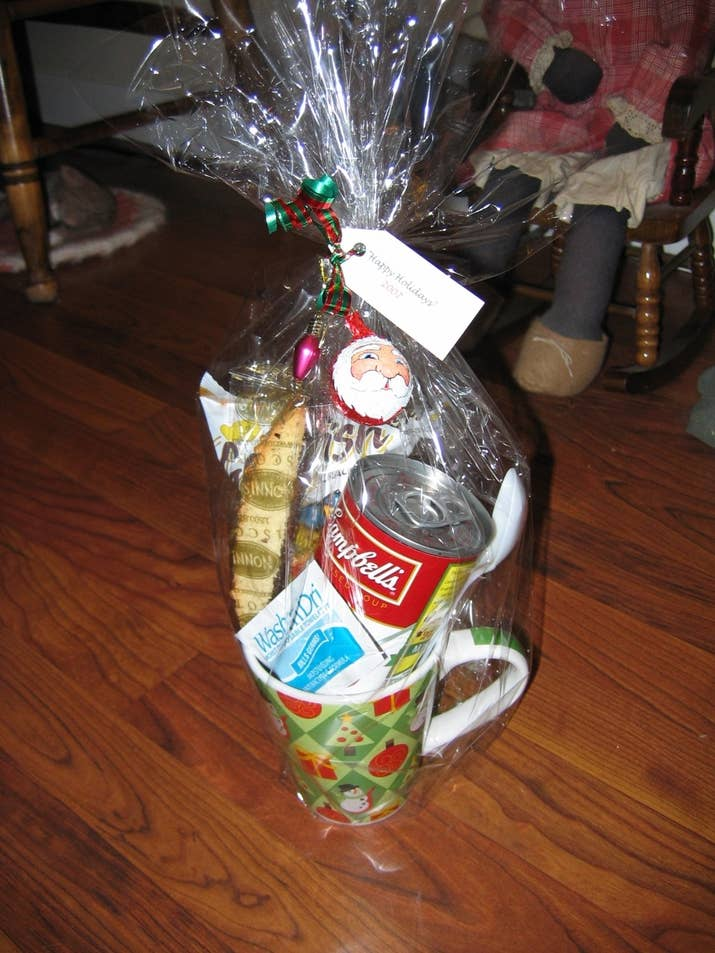 15 easy gifts you can put in a mug 5 lunch in a mug solutioingenieria Image collections