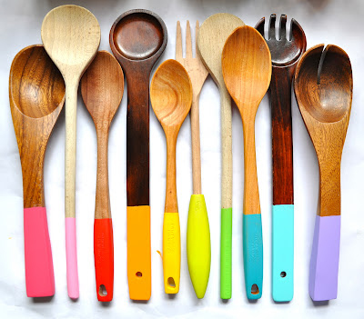 Use wooden utensils, not metal ones.