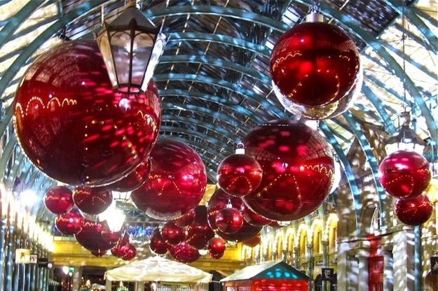 Have Yourself a Covent Garden Christmas, by Tony Lobl
