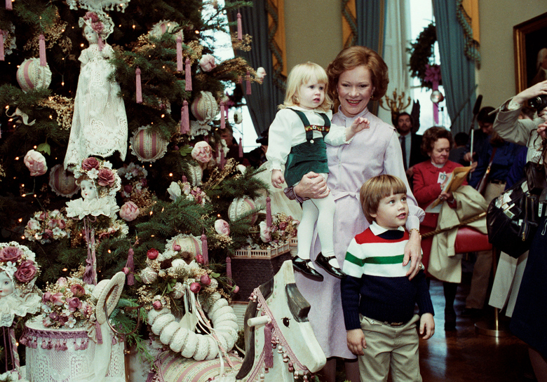 The 17 Most Excellent Presidential Christmastime Photos