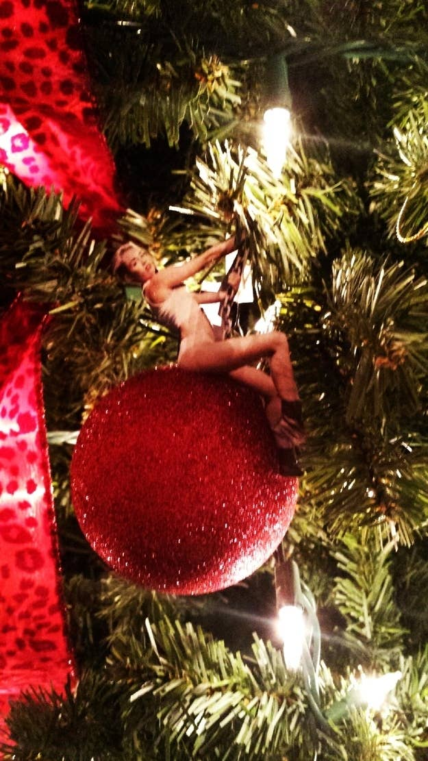 this ornament that never hit so hard in love - Images For Christmas Decorations