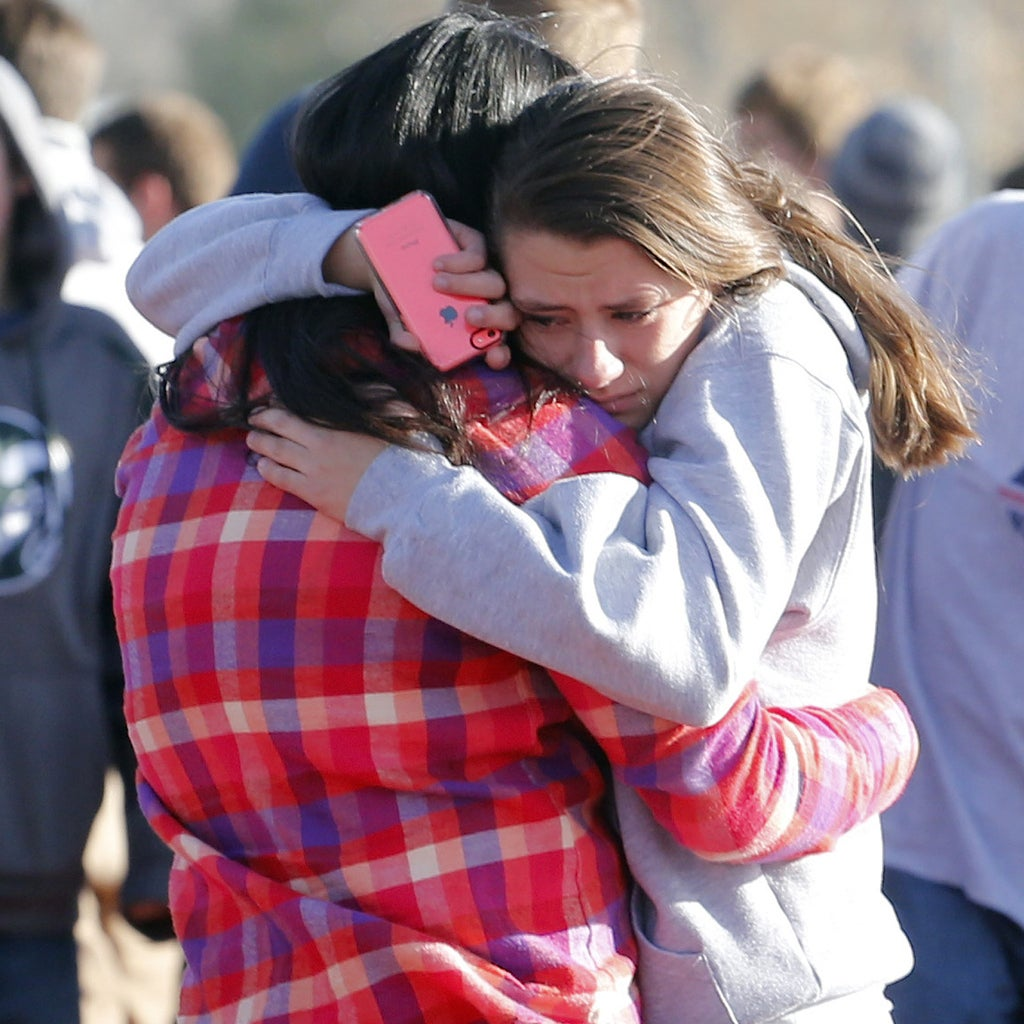 Arapahoe High School Shooting Denver Post: Gunman Kills Self After Shooting At Arapahoe High School
