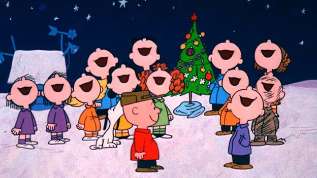 Repelled by the commercialism he sees around him, Charlie Brown tries to find the true meaning of Christmas.