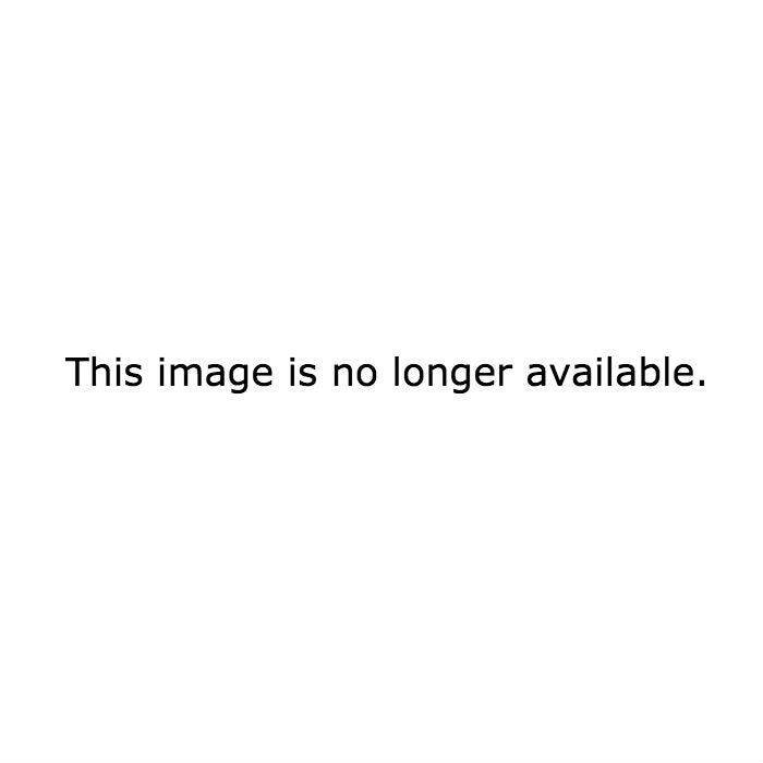 Nolan (Gabriel Mann) and Patrick (Justin Hartley) kiss on Revenge.