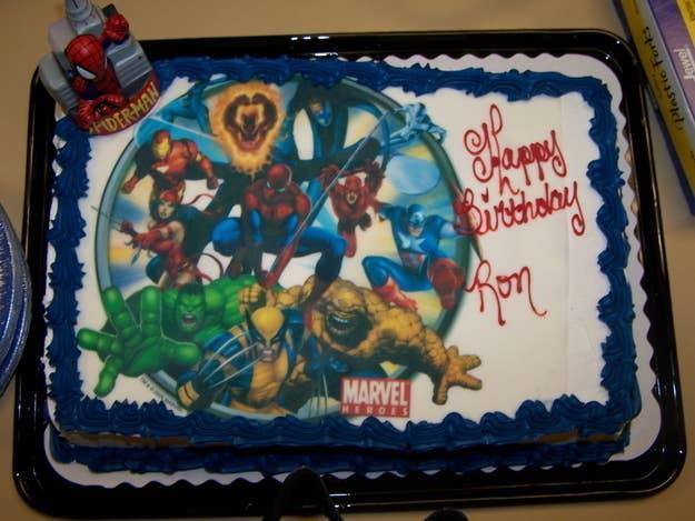 Y si está escrito al lado de un grupo de super héroes, mucho mejor.