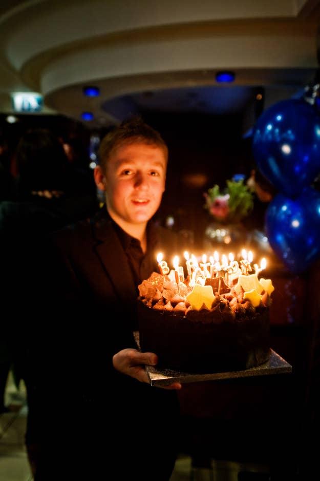 Todos dicen ¡ooh!¡aah! con el resplandor de las velas. Nadie dice ¡ooh! ni ¡aah! con un cupcake.