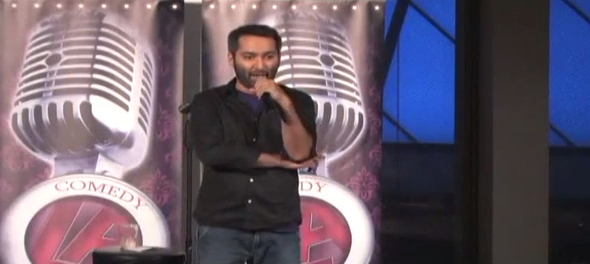 """Someone Shouted """"We're Coming For You"""" To An Indian-American Comic And He Handled It Perfectly"""