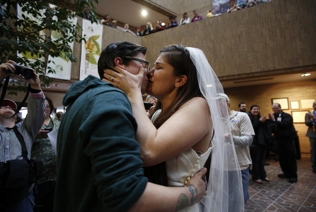 """Utah Marriages Of Same-Sex Couples """"On Hold"""" Pending Appeal, Governor's Office Says"""