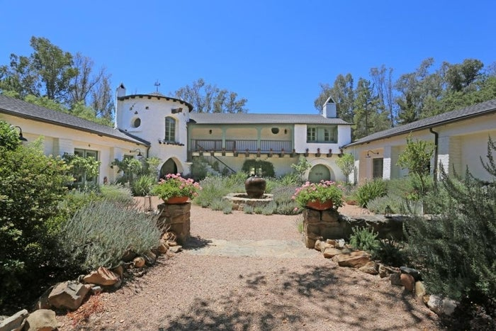 Reese Witherspoon, wound up accepting less than half of the $10 million she originally asked for her Ojai ranch. The Tennessee native had slashed the list price several times ($10M; $8.9M; $7.25M and $5.9M) before settling on a bid of $4,983,500. That's even less than Witherspoon paid for the 7-acre ranch back in 2008, when she bought it from designer Kathy Ireland for $5.8 million.It's not that Ojai doesn't have an appealing real estate market; many celebrities have previously and currently, called the area home. John Krasinski and Emily Blunt bought a home there in October 2012 — and it was rumored that Robert Pattinson hid out at Witherspoon's ranch to avoid the paparazzi after he broke it off with Kristen Stewart.