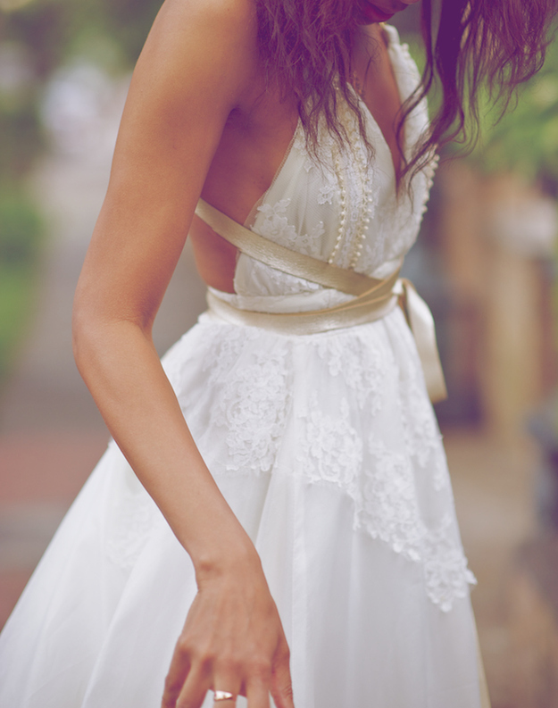 The way the off-white sash accents this dress.