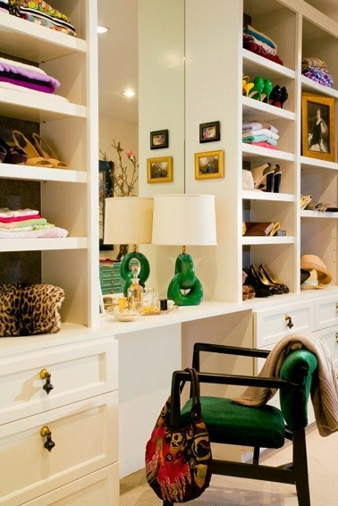 If Youu0027re Lucky Enough To Have A Walk In Closet And Are Putting In A  Shelving System, Try Making A Pretty Vanity In It.