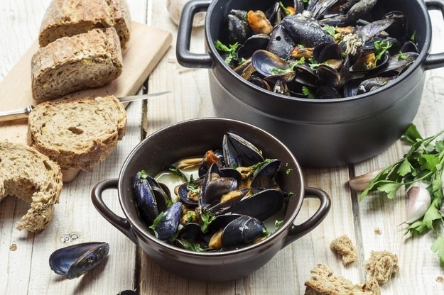 Moules Marinières  44 Classic French Meals You Need To Try Before You Die enhanced buzz 26831 1388766325 26