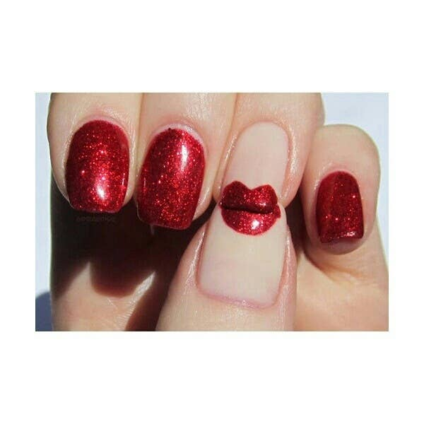 26 ridiculously sweet valentines day nail art designs 22 ahh a kiss manicure prinsesfo Images