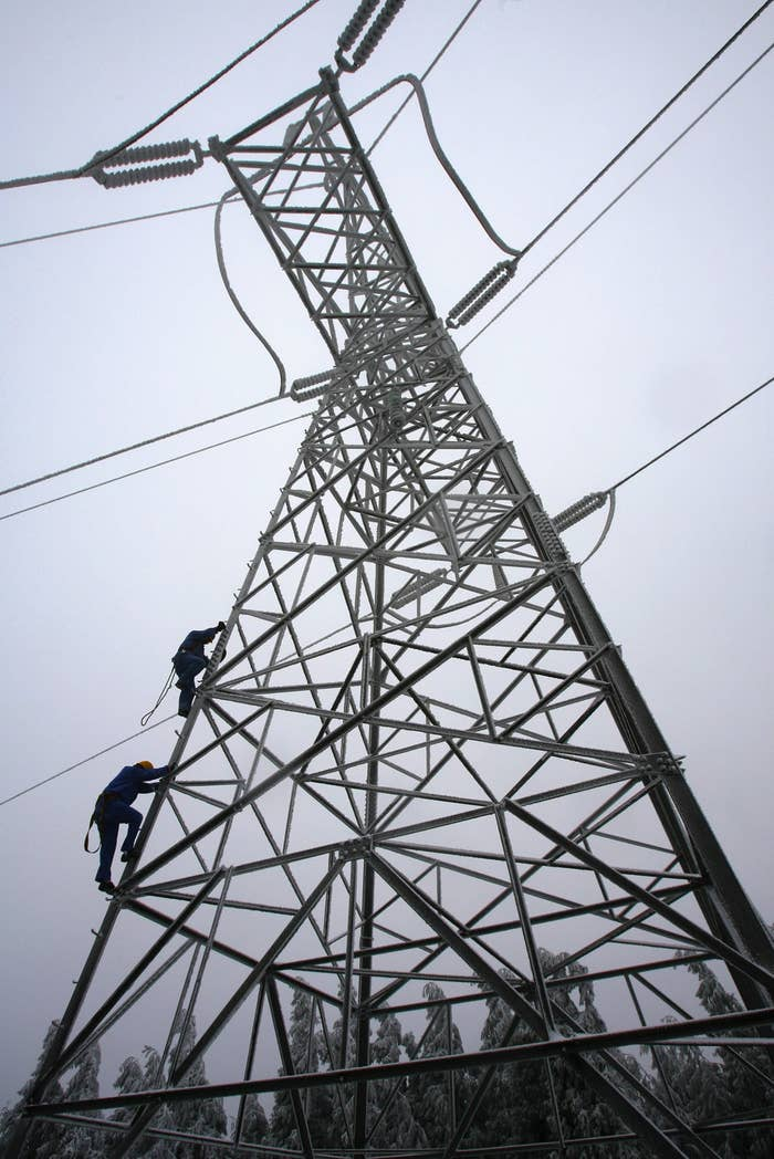 What they do: The most fearless daily grinders you've never heard of, it's up to tower climbers to install and service those sky-piercing cell towers that dot the nation's landscape. Next time you check your Instagram and enjoy that sweet, sweet 4G, give a skyward nod of thanks.
