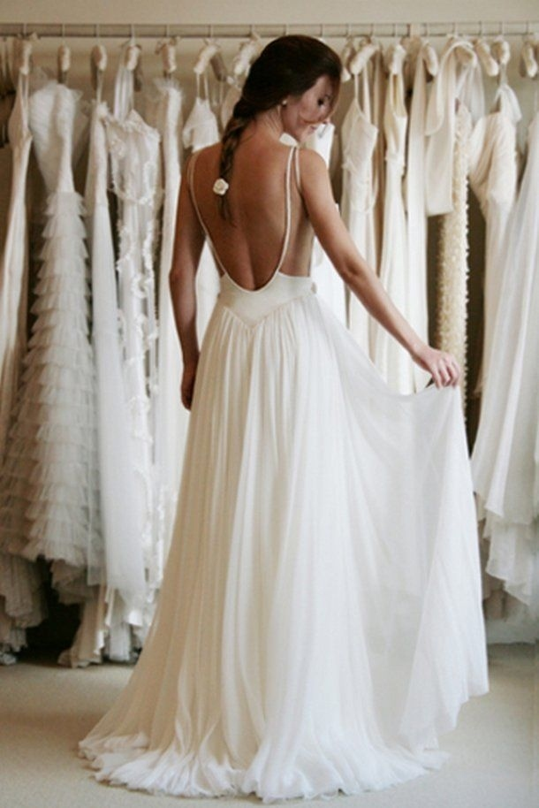 The way the back of this simple dress looks like something a ballerina would wear.