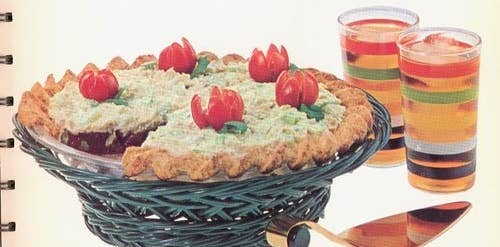 21 truly upsetting vintage recipes 1 tuna and jell o pie forumfinder Choice Image