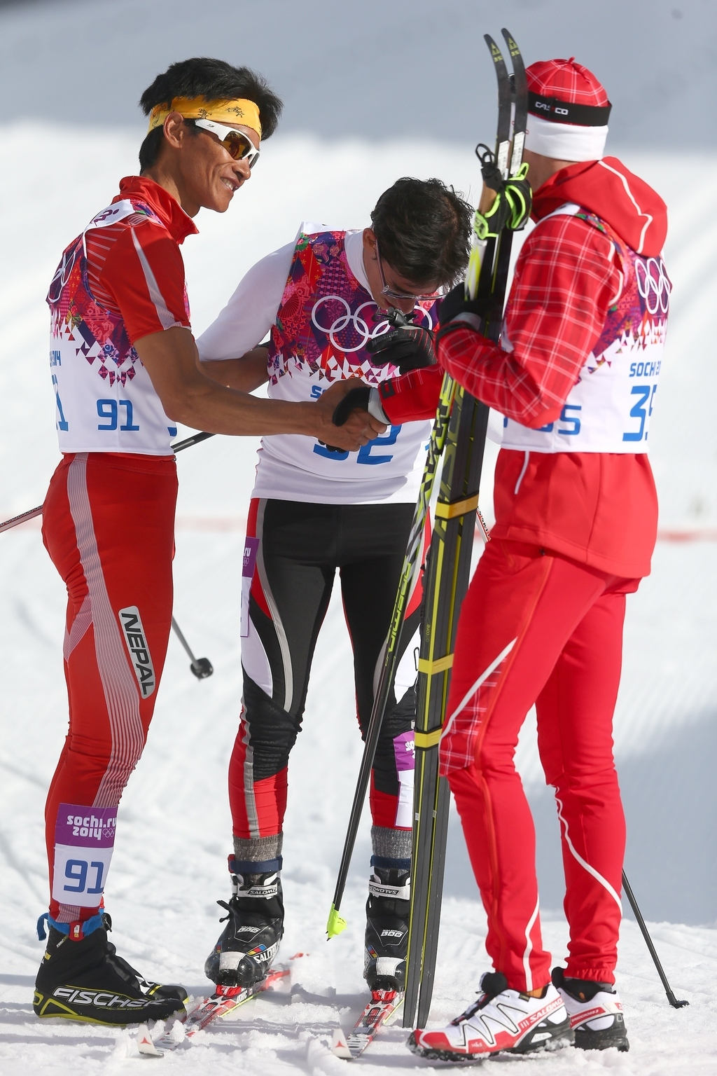 Gold Medalist Is The Perfect Sportsman, Waits 28 Minutes To Shake Hands Of Last-Place Finishers