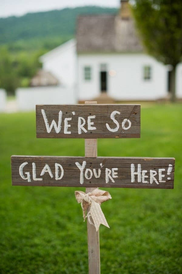 40 Awesome Signs Youll Want At Your Wedding