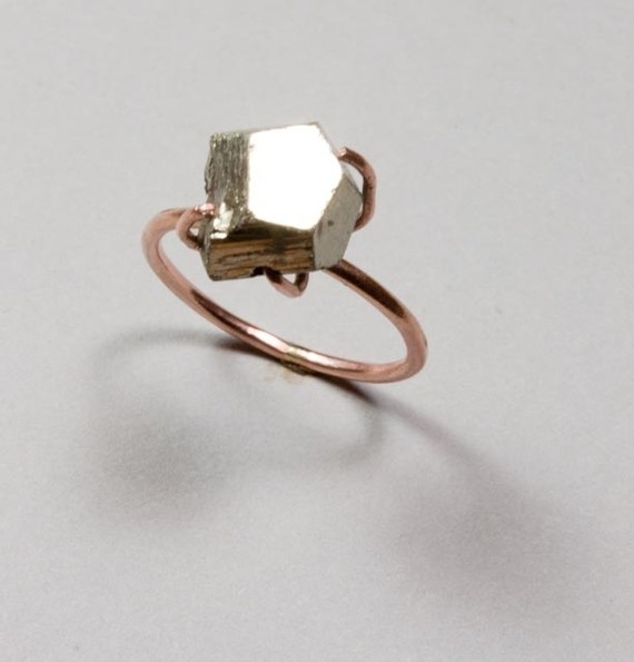 25 Stunning Engagement Rings That Arent Made With Diamonds