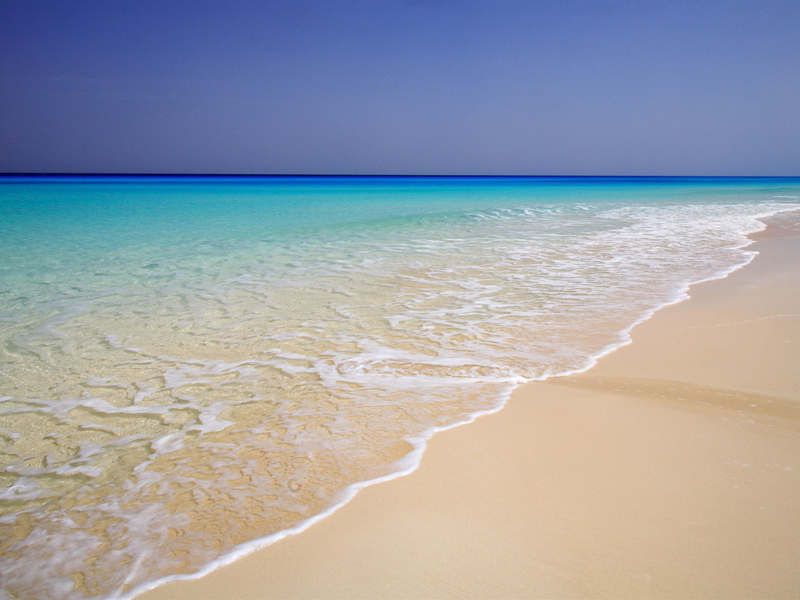 Most crystal clear beach waters in the world for Best clear water beaches in the world
