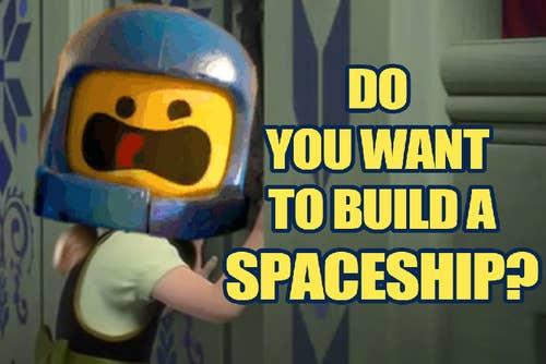 Você é a primeira pessoa a se oferecer para levar sua sobrinha ou sobrinho para ver coisas como os filmes Frozen ou Lego. Os pais deles acham que é muita bondade sua, mas na verdade você está mais interessado no filme que a própria criança.