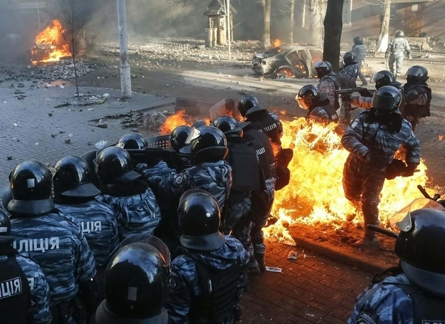 28 Intense Photos From The Bloodiest Day Of Ukraine's Uprising