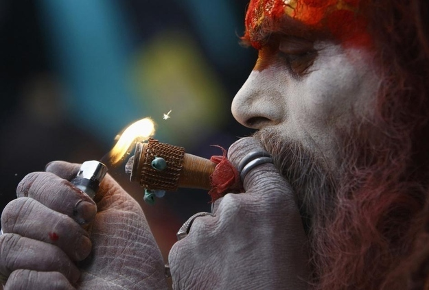 22 Incredible Images Of A Hindu Festival Where Holy Men Smoke A Lot Of Pot
