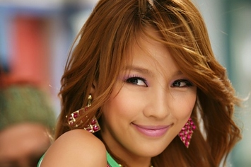 naturally beautiful asian women