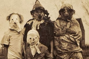 these vintage halloween costumes will give you nightmares - Old Fashion Halloween