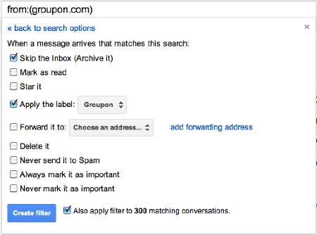 """Se você tiver algumas horas*: organize sua caixa de entrada por """"Remetente"""" para ficar mais fácil apagar os e-mails indesejados."""