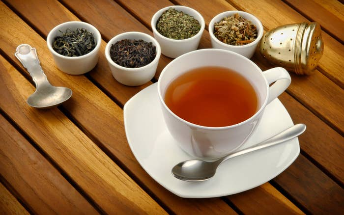 Teas like peppermint, spearmint, chamomile, and lemon balm are good choices. Such teas relax muscles and relieve congestion of the blood vessels.